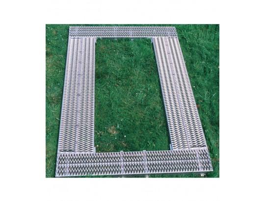 Kpl. breitenverstellbare Garnituren, 2 Längsroste 300x2220 mm, 2 Längsroste, 120x2220 mm, 2 Stirnroste 300x1740 mm