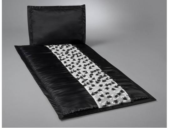 Deckengarnitur aus schwarzem Serge mit Organzastickerei Schleifen